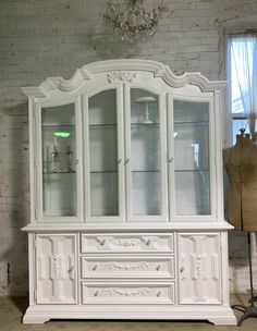 Painted Cottage Prairie Chic One of a Kind Vintage China Display Cabinet CC2004 Painted Cottage, Shabby Cottage, Cottage Chic, China Cabinet Display, Farmhouse Kitchen Tables, Chair Pictures, Glass Knobs, Paris Apartments, My Furniture