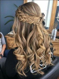 10 Most Popular Half Up Half Down Curly Hairstyles : Trendy Hairstyles For Women - Half Up-Half Down Hairstyles - Hair Styles Down Curly Hairstyles, Dance Hairstyles, Popular Hairstyles, Trendy Hairstyles, Braid And Curls Hairstyles, Amazing Hairstyles, Teenage Hairstyles, Blonde Hairstyles, Formal Hairstyles Down