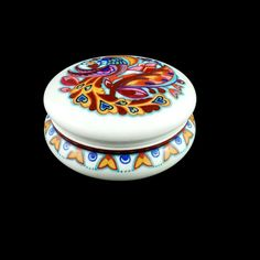 ANTIQUE 1920s UNION T CZECHOSLOVAKIA PORCELAIN TRINKET BOX WITH PAINTED LID  #UnionT Painted Boxes, Hand Painted, Diy Trinket Box, Image Key, Box Hinges, Small Sculptures, Mixed Nuts, Inexpensive Gift, Wooden Diy