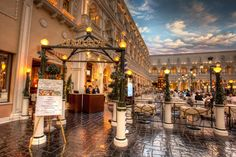 Canaletto Las Vegas Wedding Receptions | Chapel of the Flowers