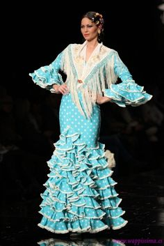 Flamenco Wedding, Blue And White Dress, Fashion Show, Fashion Design, Fishtail, Gypsy, Fashion Dresses, Mermaid, Flamenco Dresses