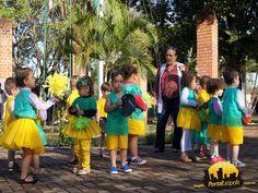 """Na semana da pátria as crianças da creche dançaram a musica """"Eu te amo meu brasil"""""""