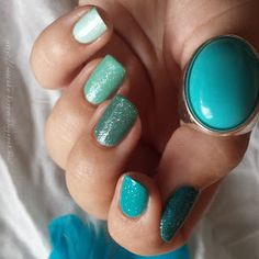 blue green mint ombre nailart