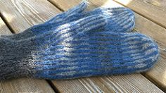 Ravelry: AndChris' Striped and Fried Chicken Mittens