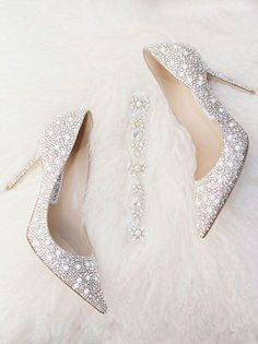 3c4312f47ce4e 38 Absolutely gorgeous wedding shoes to buy | Lovika #heels #pumps #white #