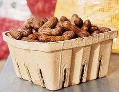 Stylish Gameday | Tailgating in style | Elevate your tailgate: Tailgate Recipes: Crockpot Boiled Peanuts