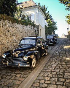 Peugeot 203 C 1958 & Citroën Traction Avant Auto Peugeot, Peugeot 203, Classic Trucks, Classic Cars, Vintage Cars, Antique Cars, Peugeot France, Automobile, Citroen Traction