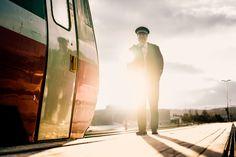 NSB-konduktør på toget fra Trondheim til Røros.