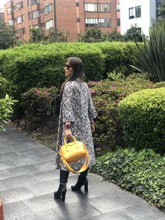 #moda #fashion #animalprint #tendencias2018 #otoño Fashion, Kimonos, Unique Clothing, Trends 2018, Moda, Fashion Styles, Fashion Illustrations