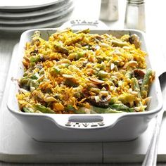 25 Potluck Side Dishes to Feed a Crowd                     -                                                   Need a dish to pass? Hosting a large party? This collection includes crowd-pleasing side dish recipes for all kinds of gatherings. Find recipes for make-ahead potatoes, baked beans, potato salad, veggie side dishes and more.