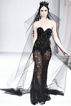 Michael Cinco Fall 2013. Now that's a bridal look I could get behind!