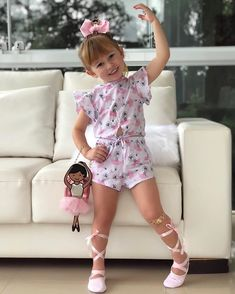 Cute Little Girl Dresses, Little Girl Outfits, Little Girl Fashion, Cute Baby Girl, Cute Little Girls, Baby Girl Dresses, Baby Dress, Kids Outfits, Kids Fashion