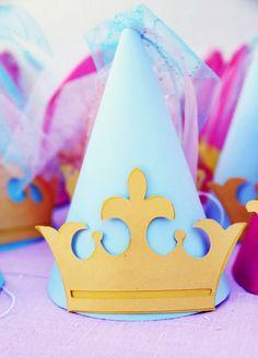 Várias ideias para decoração de festa com tema Princesas.