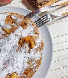 P a n n e k o e k e n    Los sábados son para disfrutarlos desde primera hora de la mañana  Hoy apetecen unas tortitas holandesas de manzana  Buenos días!