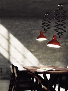 Scopri di più: http://www.spazidilusso.it/25-idee-per-la-vostra-sala-da-pranzo-moderna/ #saladapranzo #arredosala #arredamento #saladapranzomoderna #arredamentosaladapranzo #lampadarimoderni #lampadeeleganti
