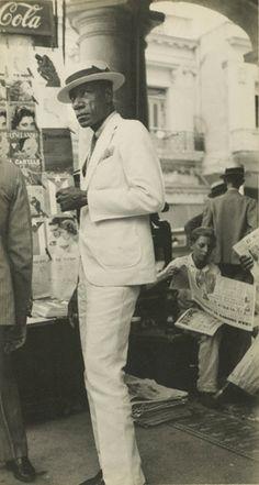 Walker Evans (American, 1903-1975), Havana Citizen / Citizen in Downtown Havana, 1933, American, Gelatin silver print, Image: 22.2 x 11.7 cm, Mount: 27.9 x 21.6 cm, 84.XM.956.484, The J. Paul Getty Museum, Los Angeles/