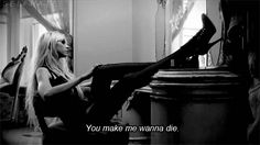 Taylor Momsen [gif]