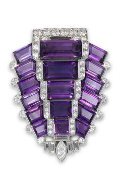 Antique Jewelry Art Deco amethyst and diamond brooch in platinum by Cartier Purple Jewelry, Amethyst Jewelry, I Love Jewelry, Sea Glass Jewelry, Fine Jewelry, Jewelry Necklaces, Jewlery, Silver Jewelry, Diamond Jewellery
