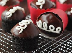 Bewitching Is Junk Food To Be Blamed Ideas. Unbelievable Is Junk Food To Be Blamed Ideas. Hostess Cupcakes, Yummy Cupcakes, Cupcake Cakes, Hostess Cupcake Cake Recipe, Sweet Recipes, Snack Recipes, Dessert Recipes, Easy Recipes, Healthy Cupcake Recipes