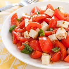 Caprese Salad with Tomatoes and Mozzarella -- a perfect Mrs. Dash recipe - mrsdash.com #saltsubstitute #nosalt #caprese
