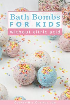 DIY bath bombs without citric acid or cream of tartar are an easy homemade bath bomb recipe for kids. These bath bombs turn a boring bath time routine into a fun experience for girls and boys. Learn how to make and customise these simple. Making Bath Bombs, Best Bath Bombs, Bomb Making, Bath Bombs For Kids Diy, Kids Bath, Organic Bath Bombs, Natural Bath Bombs, Bath Boms Diy, True Fruits