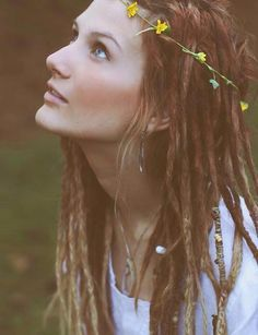 #bohemian #girl #dreads #hippie #beautiful I would never pull this off, but some girls look so good with it.