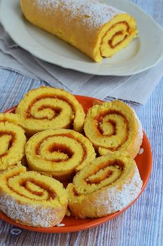 A tökéletes piskótatekercs Instagram Widget, Onion Rings, Naan, Pisa, Hot Dog Buns, Bread, Baking, Ethnic Recipes, Bread Making
