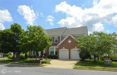 Some people think it's dreamy when you don't have to sacrifice amenities for location. This dream home has both! Terrific commuting options with easy access to 7100, 267, 28 & 66, Vienna Metro, future Wiehle Road Metro, Reston Parkway & Dulles Toll Road. Plus an open floorplan with lots of light, updated kitchen w/ss appliances & granite countertops, gleaming hardwood floors, family room with gas fireplace, huge bay windows in the living room & library, master suite w/spacious sitting rm…