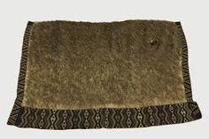 korowai Polynesian People, Maori Art, Abalone Shell, Outdoor Blanket, Weaving, Handbags, Motivation, Craft, Clothing