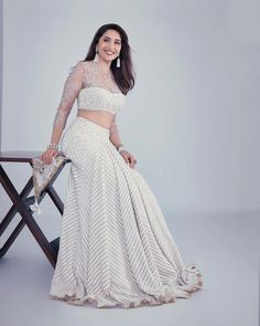 Tarun Tahiliani's Spring Summer Collection Is Perfect For Weddings Indian Fashion Dresses, Indian Designer Outfits, Indian Outfits, Designer Dresses, Pakistani Outfits, Latest Saree Blouse, Saree Blouse Designs, Raw Silk Lehenga, Heavy Lehenga