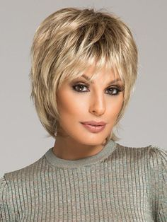 Color Champagne-Rooted = Light Beige Blonde, Medium Honey Blonde, and Platinum Blonde blend with Dark Roots Short Shag Hairstyles, Short Layered Haircuts, Hairstyles With Bangs, Latest Hairstyles, Short Hair With Layers, Short Hair Cuts, Choppy Layers, Medium Hair Styles, Short Hair Styles