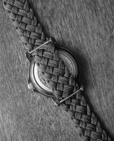 Flat braided paracord watchband/strap by Stormdrane, via Flickr