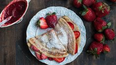 Crepes are very thin pancakes that are very easy to prepare and require basic ingredients that you always have around. They are quick and perfect for breakfast or as a snack during the day.