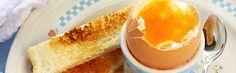 Nożyk do obcinania główki jajka, jajecznica na śniadanie