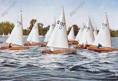 Einmannjollen. (Bei den in Kiel stattfindenden Segelwettkämpfen der Olympischen Spiele 1936 sollen die Segler aus den teilnehmenden Nationen Jollen dieser Art gestellt bekommen). Farbdruck nach Foto, um 1936.