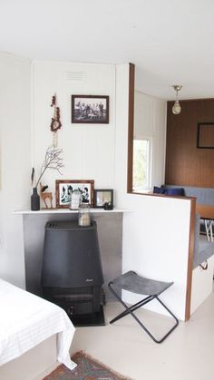 stacaravan bakkum Caravan Decor, Camper Caravan, Caravan Ideas, Eco Cabin, Riad, Caravan Renovation, Trailer Interior, Park Homes, Living Room Grey