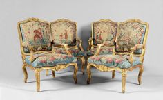 Suite de quatre fauteuils «à la reine» en bois sculpté et doré, à dossier plats et mouvementés, la traverse supérieure couronné d'un bourgeon éclaté, prolongé par des rameaux feuillagés, épaulement souligné… - Coutau-Bégarie - 29/05/2015