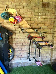 Skateboard Storage, Bike Storage Room, Scooter Storage, Diy Garage Storage, Scooter Scooter, Shed Storage Ideas Bikes, Kids Scooter, Garage Organisation, Storage Room Organization
