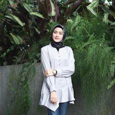 Amy (@helminursifah) • Instagram photos and videos Islamic Fashion, Muslim Fashion, Modest Fashion, Hijab Fashion, Hijab Outfit, Dress Outfits, Dresses, Female Style, Hijab Styles