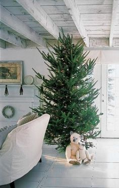 The Entertaining House: Stylish notes on the perfect Slow and Simple Christmas Tree