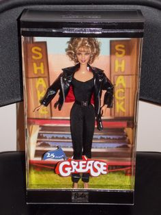 Sandy Olsson (Olivia Newton-John) of Grease Collector Edition Doll by Mattel, 2003 Barbie Box, Barbie And Ken, Vintage Barbie, Vintage Dolls, Grease Sandy, Grease 1978, Barbie Celebrity, Frozen Dolls, Barbie Family