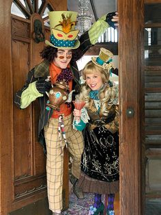 PLUS Alice in Wonderland-Fancy Dress-Stage Show THE MAD HATTER  STRIPED sizes 8
