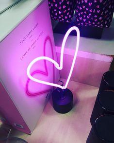 Amped & Co neon heart desk light. #neon #lighting #neonlamp #homedecor #decor #party