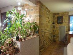 les fausses pierres en intérieur dans notre salon : photos du résultat final (ouiiii ! j'y suis arrivé !)