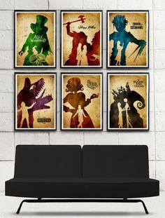 Posters inspirés des films de Tim Burton  Alice aux Pays des Merveilles,  Sleepy Hollow,  Edward aux mains d'argent,  Beetlejuice,  Charlie et la Chocolaterie  L'étrange Noël de Mr Jack