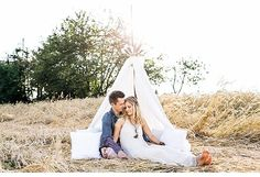 Romantisches Engagement Shoot im Kornfeld von Julia Hofmann Fotografie