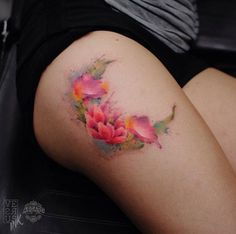 Beautiful floral moon done in watercolor by Alberto Cuerva