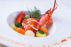 Starter dish with little lobster and cooked vegetables ///  Entrée de homard avec petit homard et légumes cuisinés Dish, Vegetables, Food, Kitchens, Meal, Eten, Vegetable Recipes, Meals, Plate