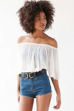 Kimchi Blue Amelia Pleated Chiffon Off-The-Shoulder Top - Urban Outfitters