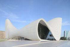 zaha hadid's heydar aliyev center wins design of the year。Design Museum日前公佈了年度最佳設計獎,由國際知名建築大師Zaha Hadid設計的Heydar Aliyev Center奪得殊榮。這不但是第一次由建築作品獲得該獎項,也是首次由女性設計師拔得頭籌。這棟以亞塞拜然前總統Heydar Aliyev命名的建物,位於首都巴庫(Baku),內含博物館、畫廊以及會議中心,佔地共61,000平方公尺。傳統的伊斯蘭建築原就慣常融入流線造型,Zaha Hadid使用自己獨特的無縫式語彙與傳統對話,並讓這棟建築轉而以一種現代性的姿態出落地表,建築師本人也表示,這是她自認近期最具代表性的作品。